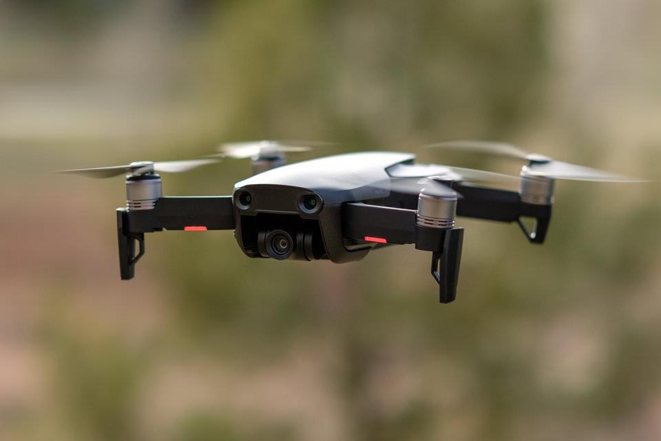 9add94baa00 DJI Mavic Air. DJI s'est sans aucun doute établi comme une marque très  populaire dans le secteur des drones. La société possède une vaste  expérience dans la ...